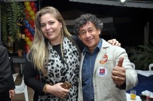 Cleide ao lado do amigo Jânio, assessor do deputado federal Jairo Ataides (MG).