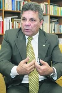 Alberto Fraga é presidente do Democratas e foi uma das vozes de oposição ao governador Agnelo